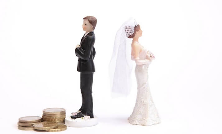 Can I Get My Spouse to Pay my Divorce Attorney Fees?